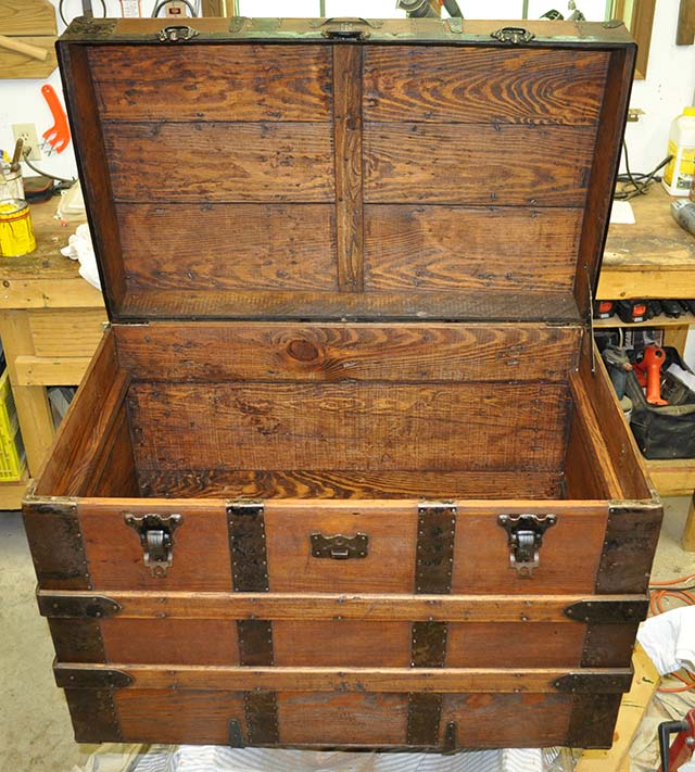 Antique Steamer Trunk 3